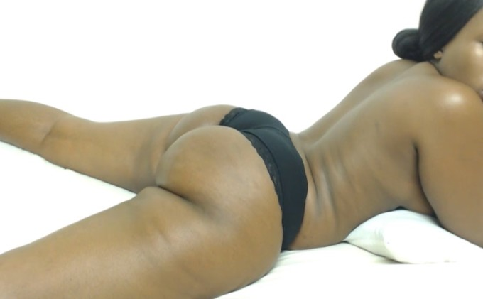 Ebony bubble butt from Violet on blackmilfcam.com